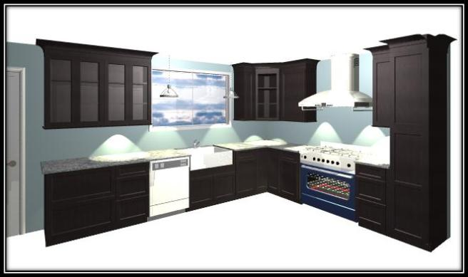 As with everything else in this renovation, the kitchen cabinets were designed online.