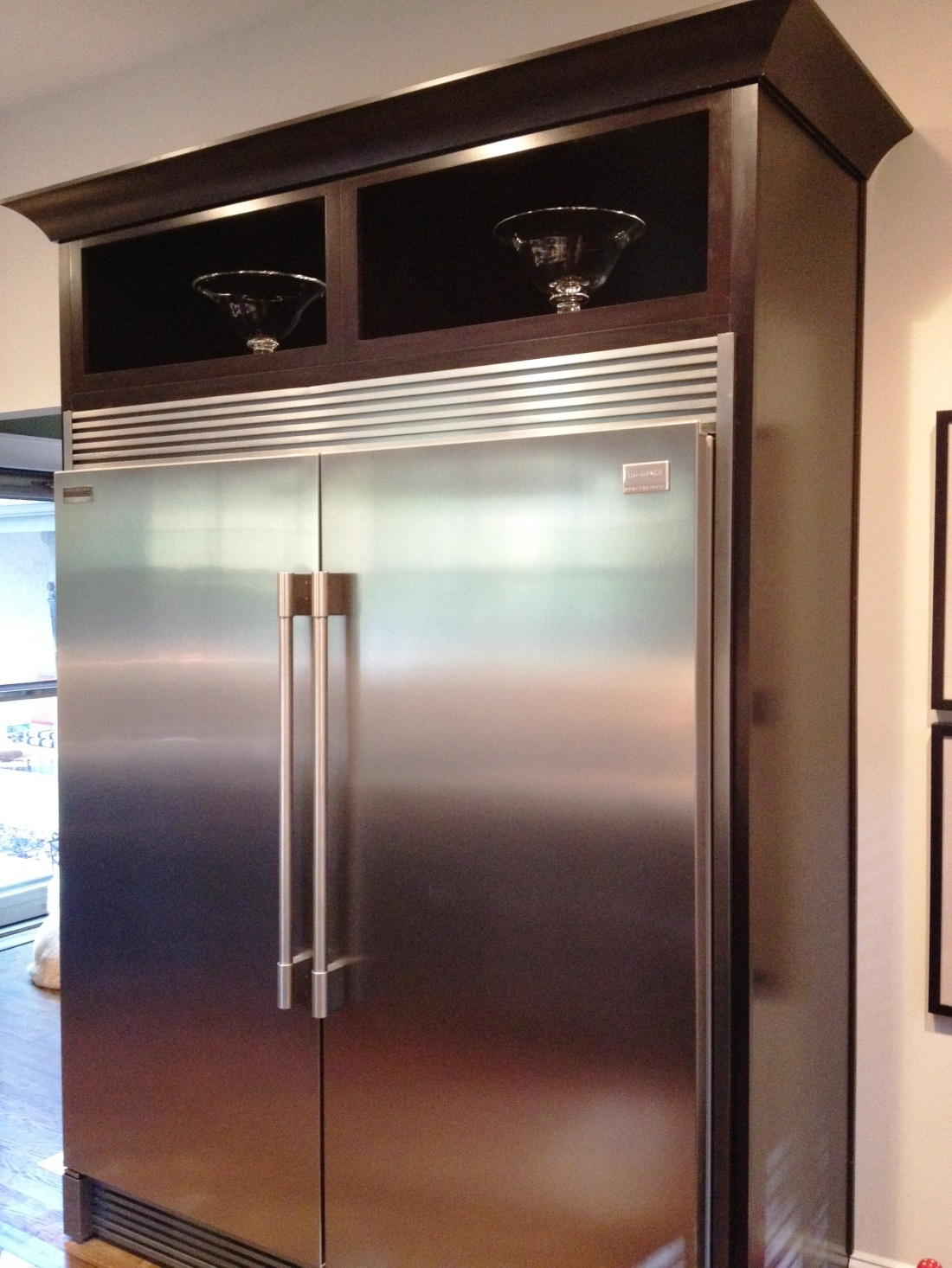 The refrigerator and freezer door handles finally match.