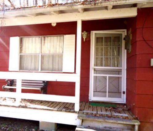 A raggedy front porch