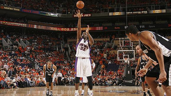 San Antonio Spurs v Phoenix Suns, Game 3
